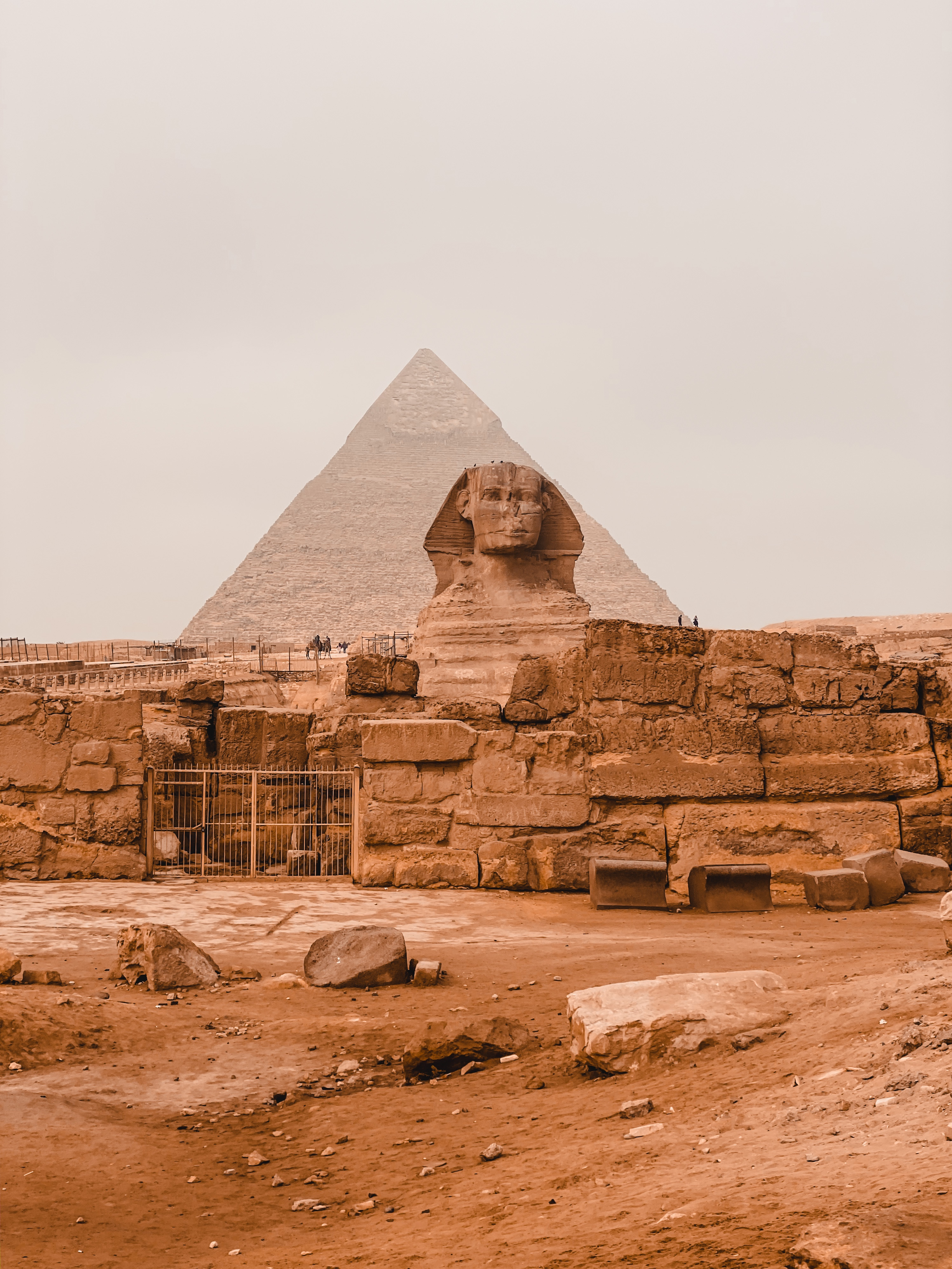 sphinx and pyramids in cairo Egypt