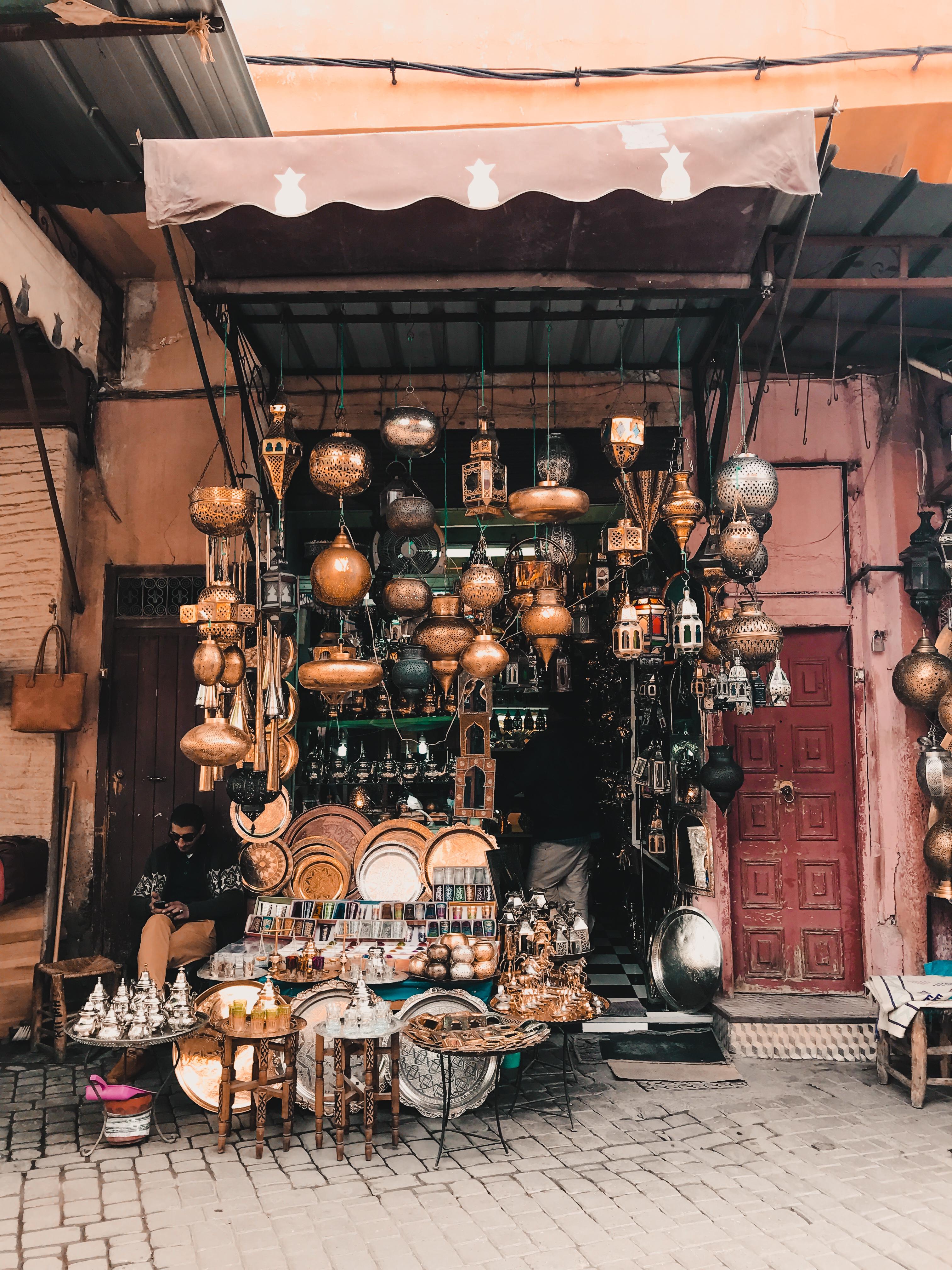 Lantern souvenir shop
